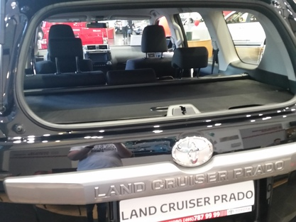 Шторка в багажник LAND CRUISER Prado 150